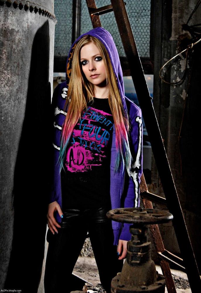 http://ax2pix.persiangig.com/image/Female%20celebrities/Avril/4/Avril_Lavigne_Ax2Pix.blogfa.com_4.jpg